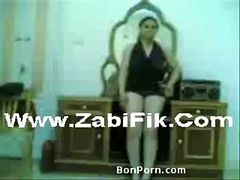 Une Salope Egyptienne Devoile Ses Rondeurs Zabifik.com