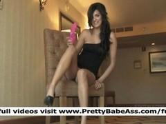 Trisha Teen Sexy Babe Rub Well