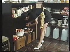 Andrea Molnar Kitchen Quickie Wi...