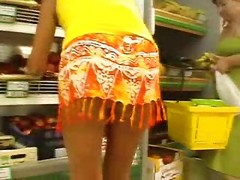 Upskirt In Supermarket No Pantie...