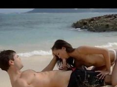 Ultra Sexy Asian Copulating On The Beach