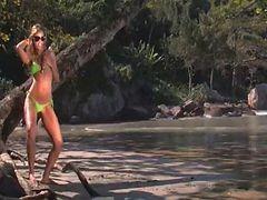 Gisele - Fuckin In Paradise Beach