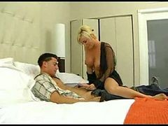 Diamond Foxxx Loves Young Cock - Wmv V9