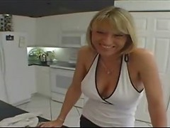 Extra Horny Housewife