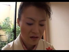 Japanese Mature Gives Full Geisha Treatment (uncensor...