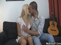 He Licks Her Juicy Pussy Then Fucks