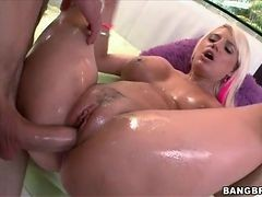 Big Dick Plunges Into Cunt Of Wet Blonde Girl