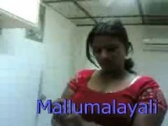 Indian Hot Mallu Girl Expose Body And Gives Blowjob I...