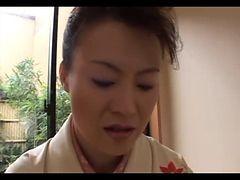 Japanese Mature Gives Full Geisha Treatment (uncensor...