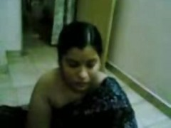 Sweet Aunty Showing Her Body- Jp...