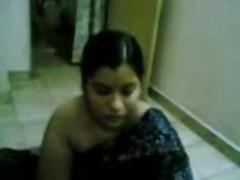Sweet Aunty Showing Her Body- Jp...