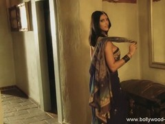 Lovely Indian Doing An Erotic St...