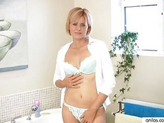 Amazing Milf Housewife Masturbat...