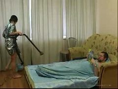Young Daughter Cleaning The Room Gets Fucked By Old F...