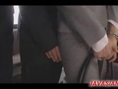 Office Lady Gave Blowjob In A Bus