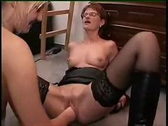 Lesbian Pussy Fisting