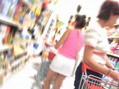 Upskirt : Calcinha Transparente No Mercado