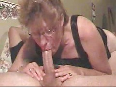 Amateur Milf Gives A Deepthroat...