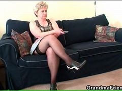Euro Mature In Stockings Masturbates On Couch